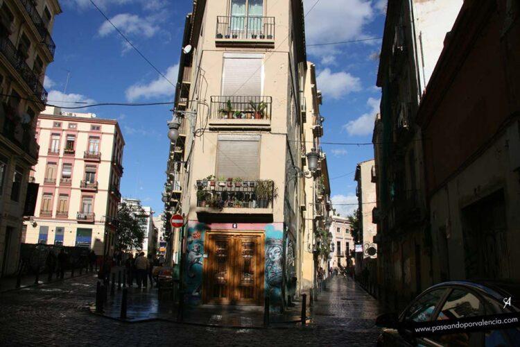 La calle Alta y la calle Baja desde la Plaza de San Jaime en Valencia