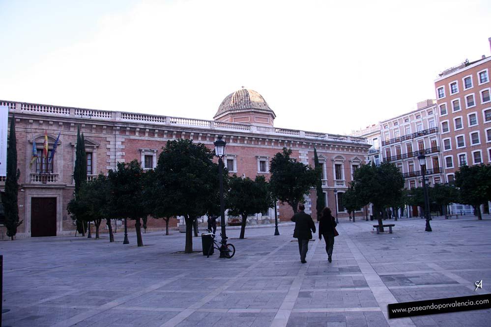 Universidad de la Nave en la plaza del Patriarca de Valencia
