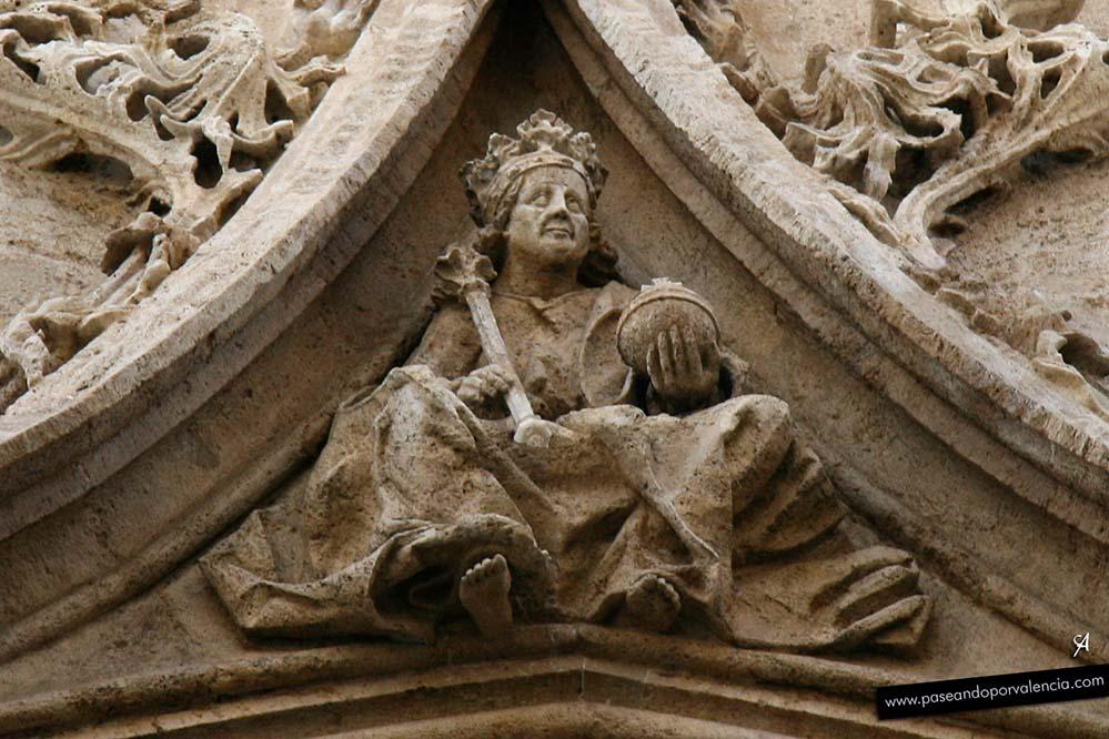 Gárgolas y capiteles en la Lonja de Valencia