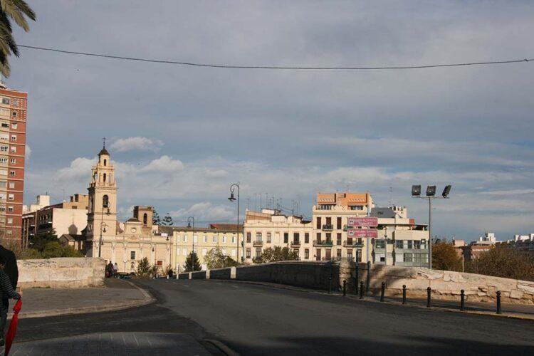 Puente de Serranos en Valencia